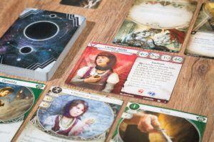 Arkham Horror: el juego de cartas, juegos de mesa para jugar en solitario