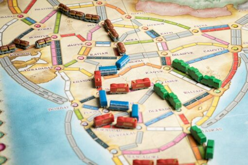 ¡Aventureros al tren! India y Suiza