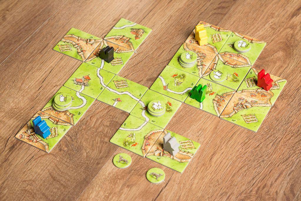 Carcassonne expansión colinas y ovejas es uno de los juegos de mesa de granjeros