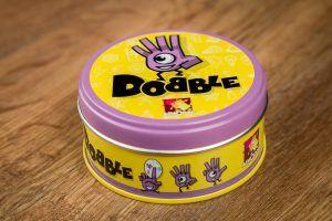 Dobble, juegos de mesa para desarrollar la afectividad de tus hijos
