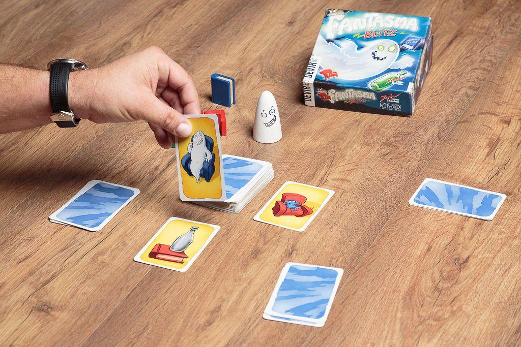 Fantasma Blitz es uno de los juegos de mesa sin tablero