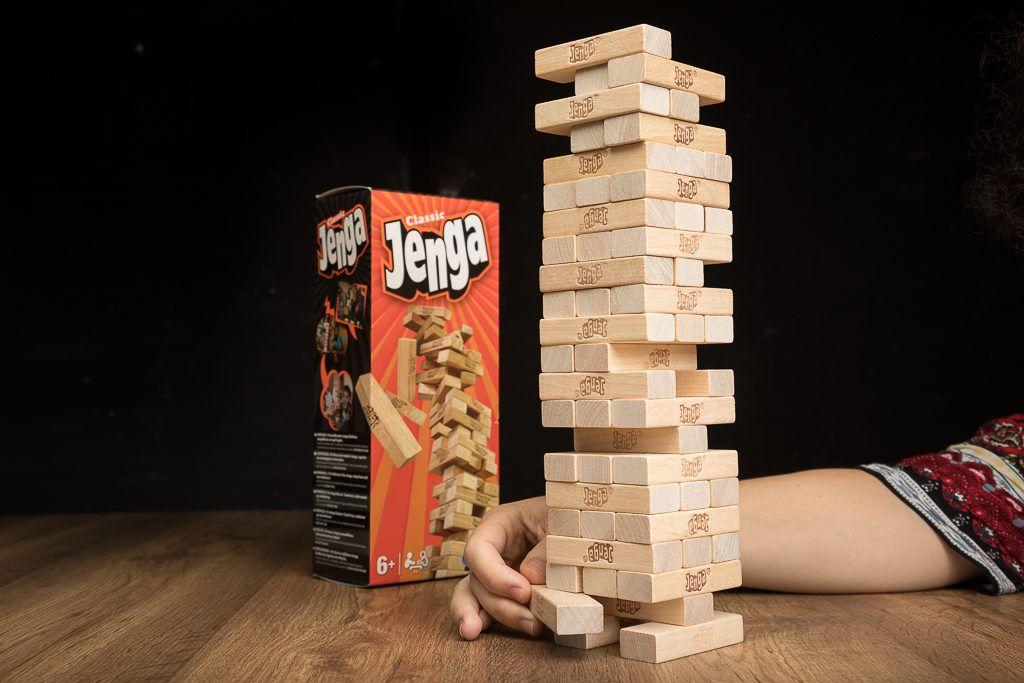 Jenga pertenece a los juegos de mesa sin tablero