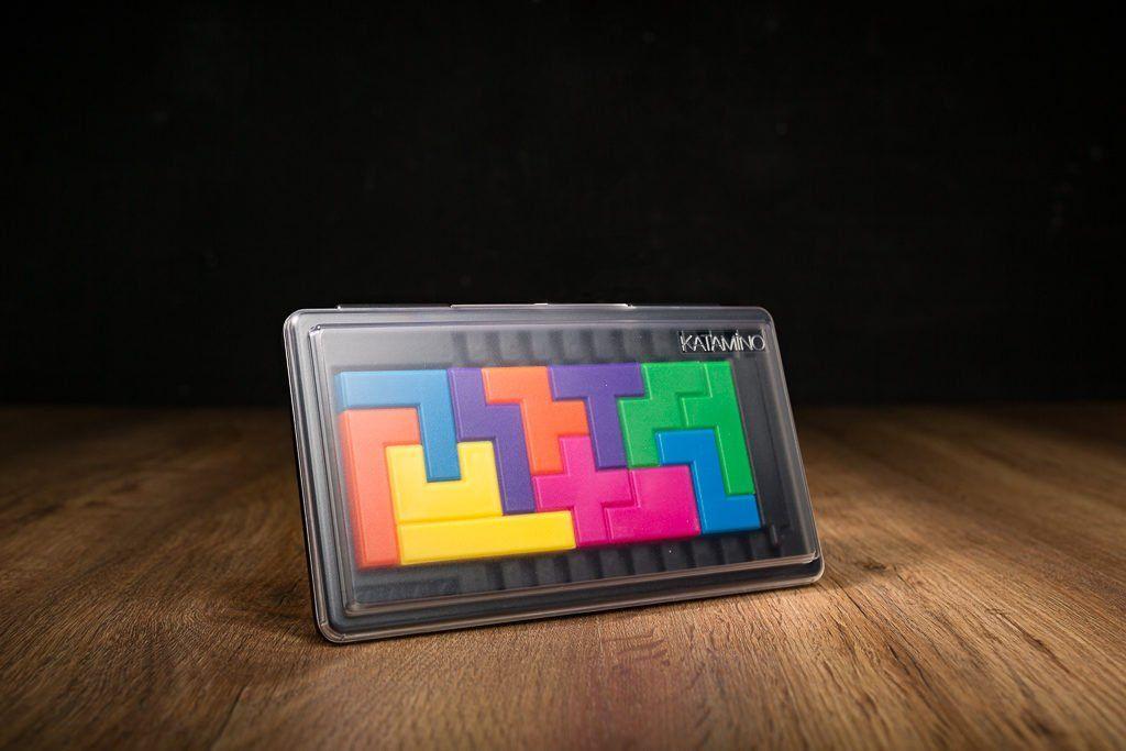 Katamino es uno de los juegos de mesa de puzzle