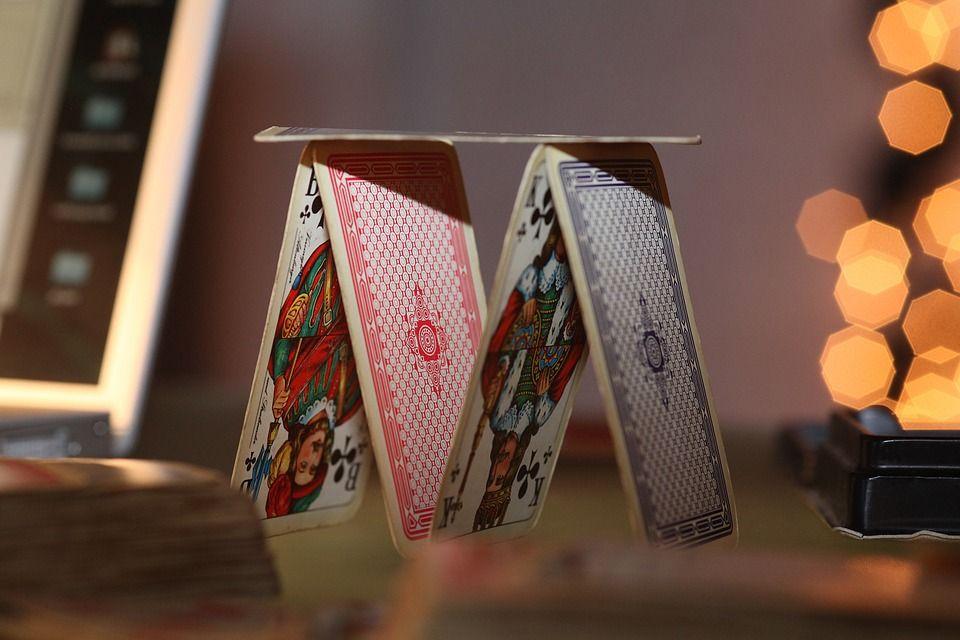 Naipes, juegos de mesa de destreza