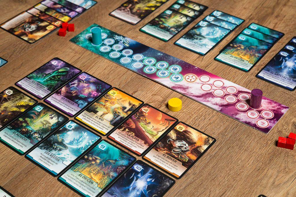 not alone juego de cartas asimetrico juegos de mesa y rol On not alone juego de mesa