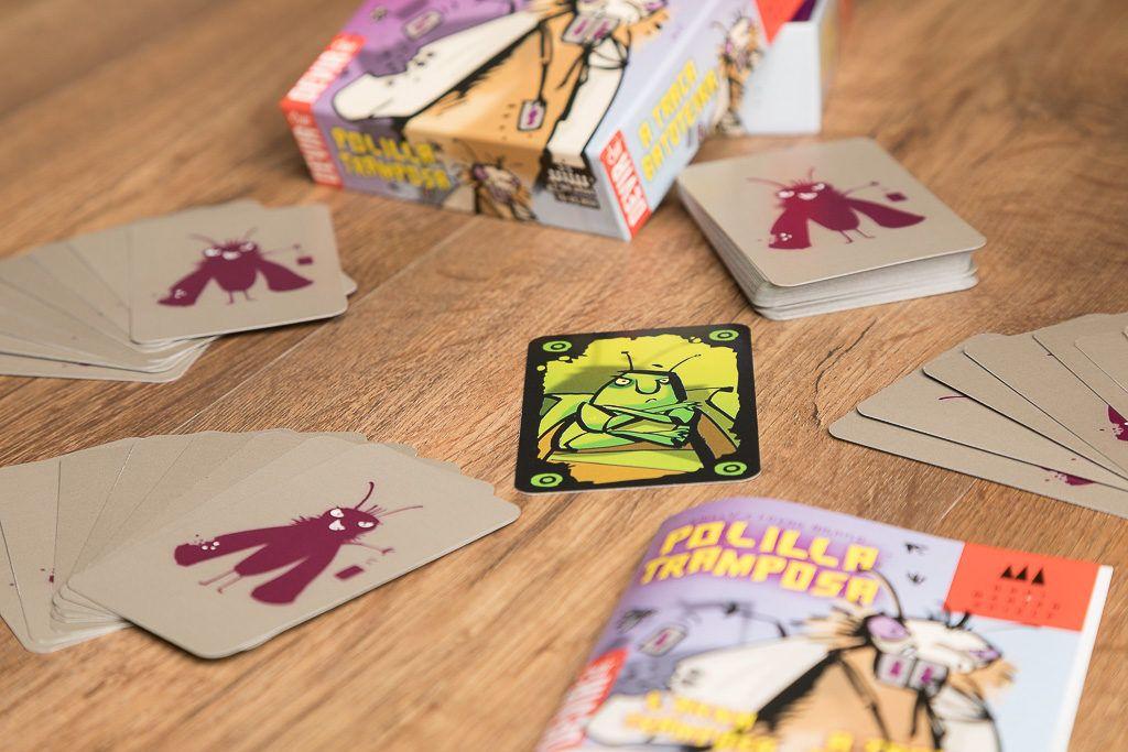 Polilla tramposa es uno de los juegos de insectos