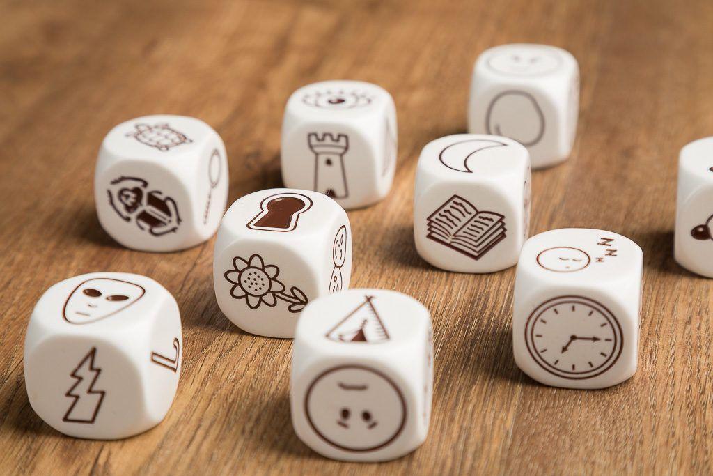 Story cubes max es uno de los juegos de mesa de azar