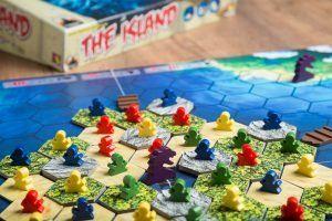 The Island, juegos para la sobremesa