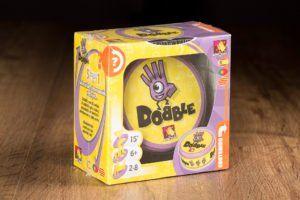Dobble, juegos de mesa para cuando lo dejas con tu novio