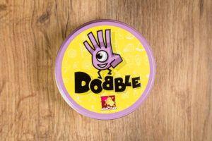 Dobble, juegos de mesa para jugar en la universidad