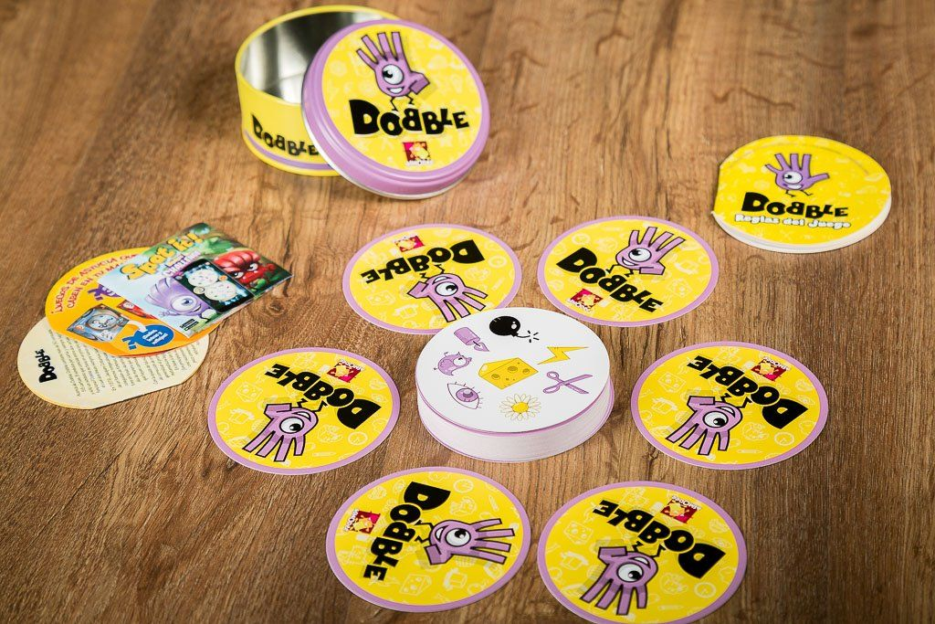 Dobble, juegos familiares