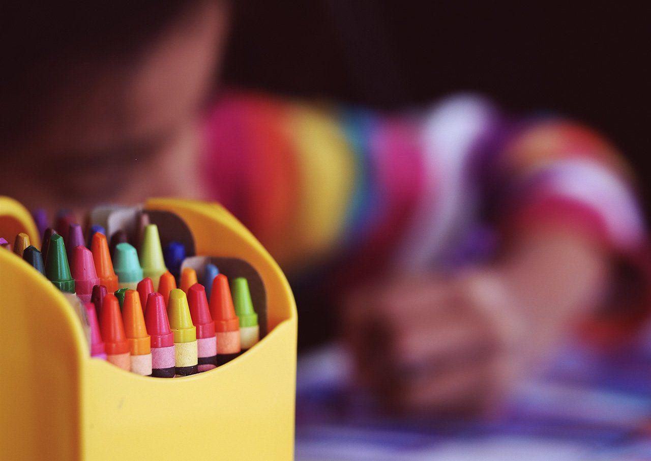 Educar jugando y pintando