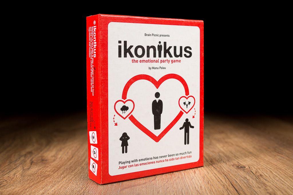 Ikonikus, no podía faltar en la lista de los mejores juegos de mesa para las mujeres de la casa