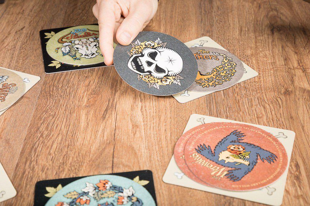 Skull and roses, los 5 mejores juegos de mesa de cartas