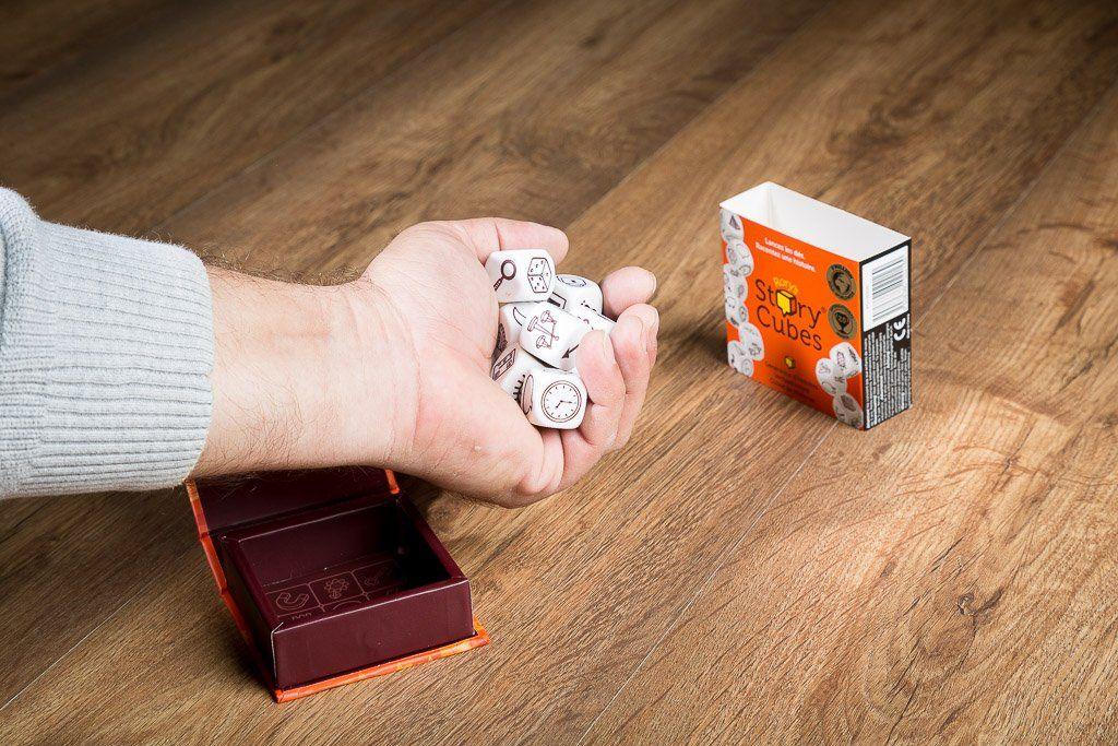 Story cubes, juegos de mesa para meriendas en el parque