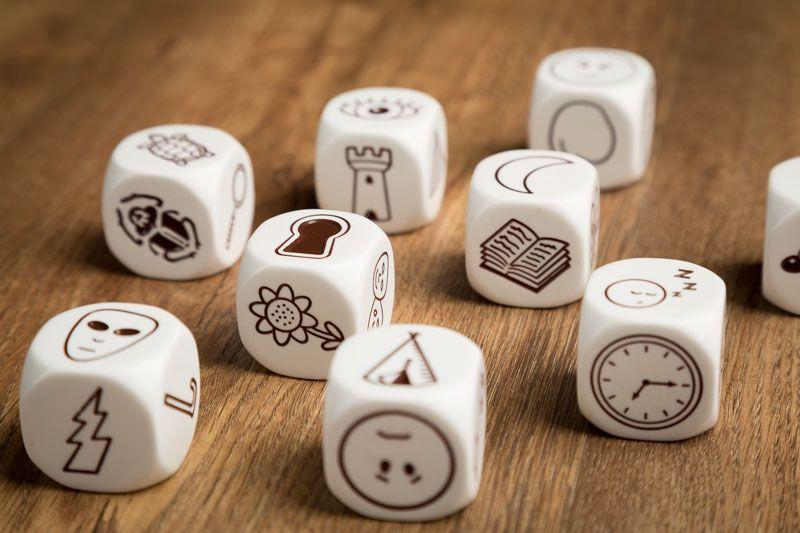 Story cubes, juegos para mejorar la agilidad mental