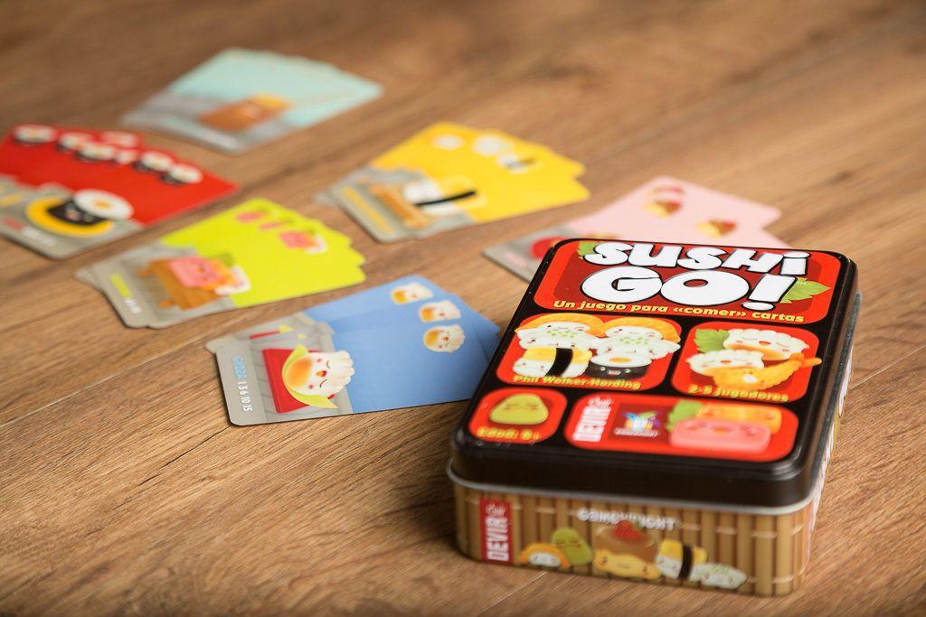 Sushi go!,, 5 juegos de mesa que no pueden faltar en tu estantería